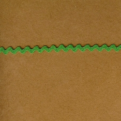 "5 Yds   3/16""    Tiny Green Rick Rack   2854"